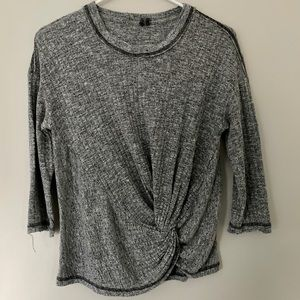 Anthropologie 3/4 sleeve gray tea with twist front